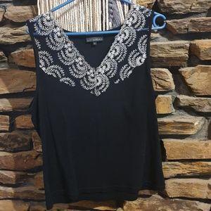 Size XL Liz Jordan black and white sleeveless top